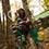 シャボン玉がお気に入りの琴子ちゃんは、木の上からスペシャルな笑顔を向けてくれました。
