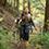 先頭を行くのは前日に引き続き、なみこちゃん。昨日とは別のコース、比較的緩やかな山道を歩きます。