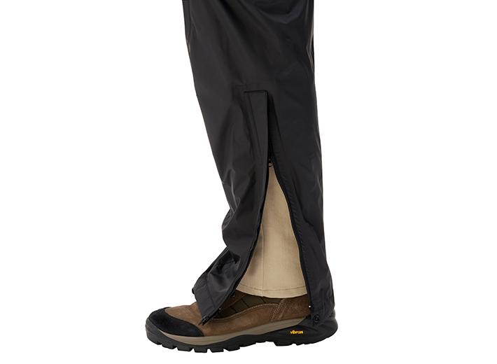 靴を履いたまま着脱しやすいデザイン