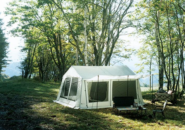 居住性はシリーズの中でも随一。往年の人気テントをグランベーシックとして復刻