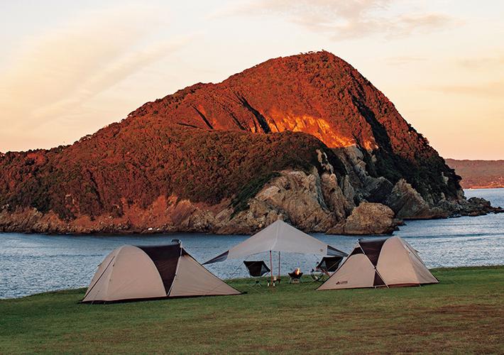 ツーリングに最適!大型前室付きのコンパクトな2人用テント。