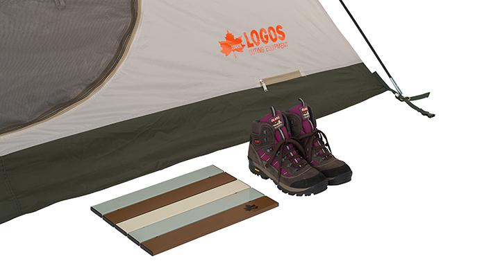 テント入口での靴の脱ぎ履きがスムーズに。