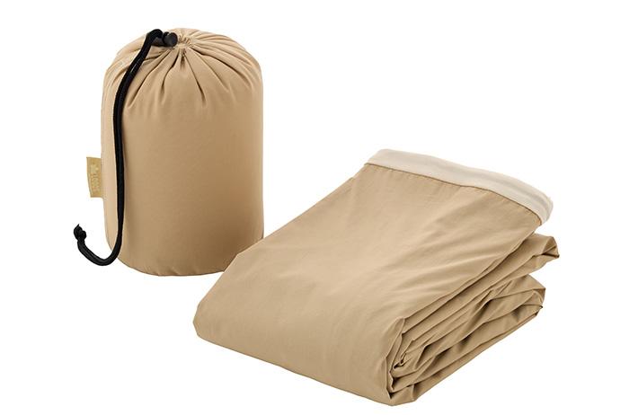 持ち運びに便利な 収納袋付き
