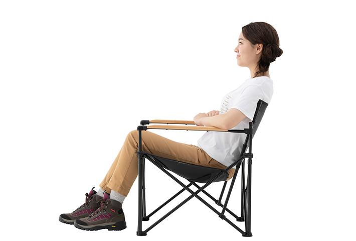長時間座っても疲れない傾斜タイプ座面