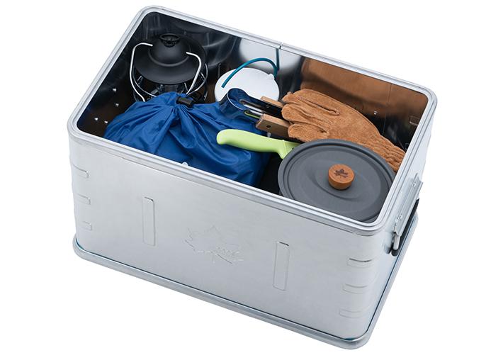 内部の深さが26cmなので、ランタンや、お鍋などにも対応。