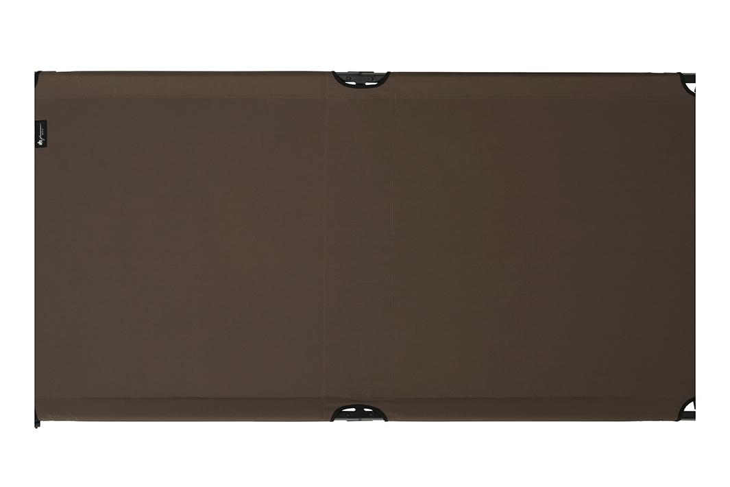 市販のシングルベッド(幅100cm)と同等の大型コット