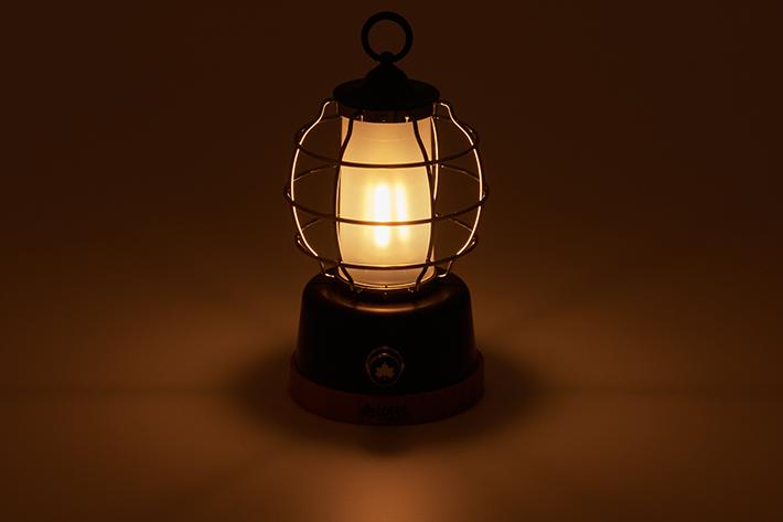温もりのある暖色ライト