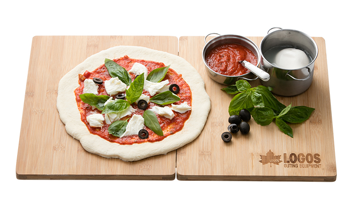 ひろびろ使える特大まな板! ピザやパン生地作りにも