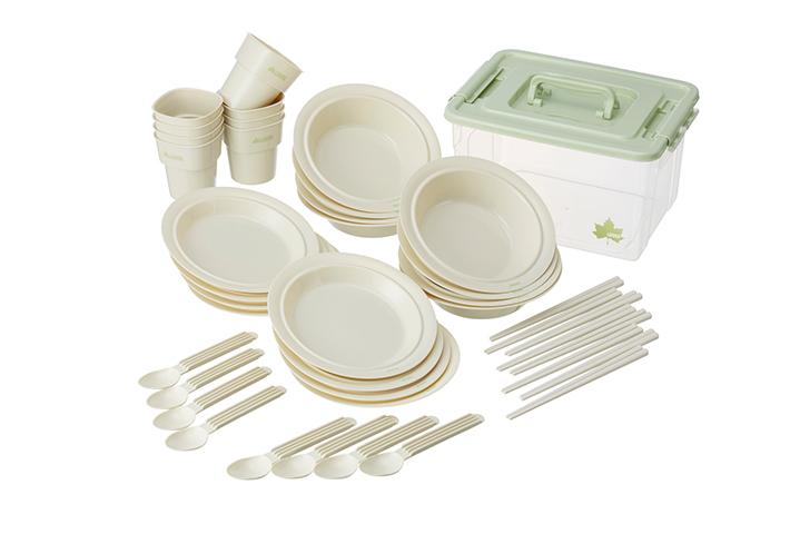 8人分の食器セットをコンパクトに収納! 持ち運びやすい食器セットBOX