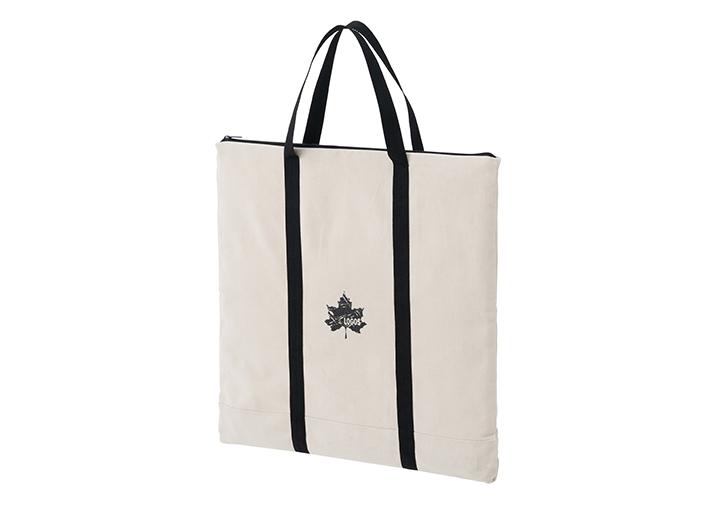 帆布製で頑丈トートバッグ。重い荷物で楽々持ち運び。