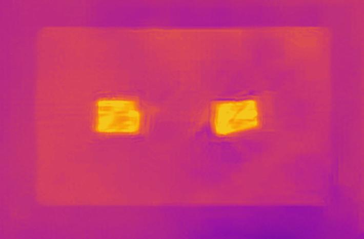 メタルファイバーヒーティングで発熱するブランケットマット
