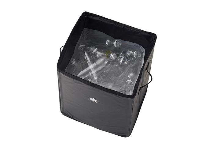 内側のマグネットでゴミ袋を簡単装着